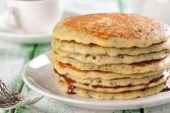 """Вкусные рецепты: Закусочный пирог""""На скорую руку"""", Фаршированные баклажаны., Салат со свеклой, селёдочкой и брусничной заправкой."""